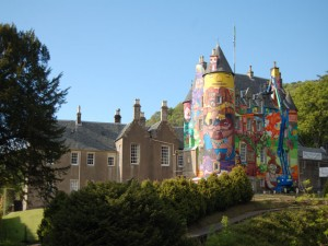 graffiti castle Kelburn
